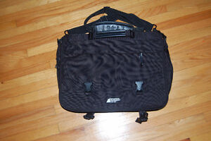 MEC messenger bag black