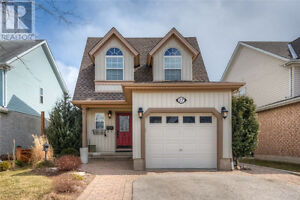 Beautiful Detached Home in Guelph, Grange Hill East Wellington
