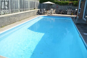 POOL - HOT TUB - Incredible Price For This Lovely Home Peterborough Peterborough Area image 2
