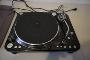 AudioTechnica-LP1240-USB Direct-Drive Pro DJ Turntable