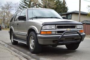 1999 Chevrolet Blazer 4x4 Fully Loaded 4 Door