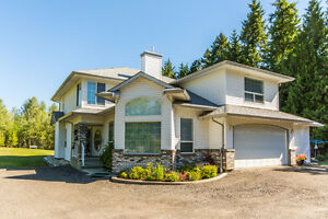 3831 20 Avenue, SE Salmon Arm - Luxury Home on Acreage