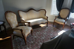 Settee and Matching Side Chairs