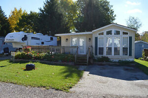 Mobile Home for sale in Green Acres Park, Waterloo Lot 22