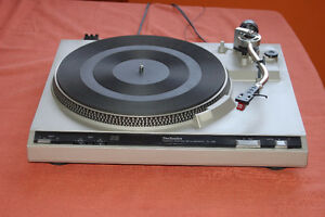 Table tournante Technics SL-220