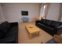 Bright and Spacious 5 bedroom Festival flat with WiFi and TV available August