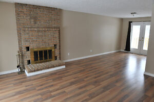 BRIGHT AND SPACIOUS 3BDRM/2BATH IN FAMILY NEIGHBOURHOOD