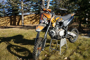 KIDS DIRT BIKE LIKE NEW!!!....PRICE REDUCED!!