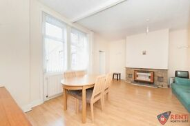 2 bedroom flat in Maxwell Street, Gateshead, NE8