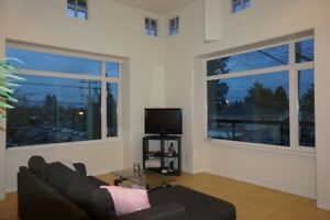 ☎☎ Brand New, High Ceiling, Beautiful 3bed Townhse