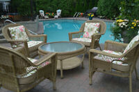 Stunning Resin Wicker Garden Patio Set - cushions inc. Like New!
