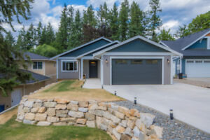 1941 Auto Road, SE Salmon Arm - New Level Entry Home