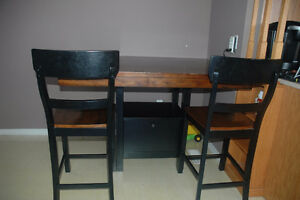 Bar Table and Chairs Peterborough Peterborough Area image 1