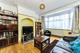 LARGE FOUR BEDROOM HOUSE , 5 MINS WALK FROM GREENFORD STATION (CENTRAL LINE)