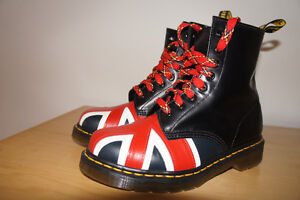 new!!! Dr martens woman's boots new size 5- UK 6-US model :10950