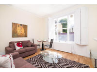 An amazing & modern 1 double bedroom flat with private garden in a Victorian conversion in Angel
