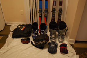I am  selling a set of ski 150$ Price negotiating is possible