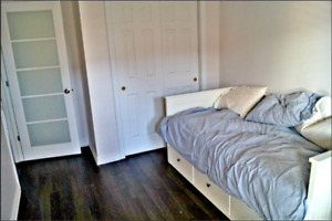 Beautiful 2 bdr apartment near OldPort and DT, All included