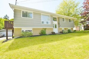 Beautiful House! Bright & Vibrant Home in Hammonds Plains!