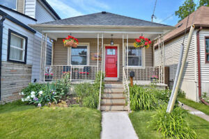 Cute and Cozy Bungalow- Hamilton DT- 17 Hope Avenue