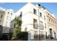 2 bedroom flat in Norfolk Place, Norfolk Avenue, St Pauls, Bristol, BS2 8ST