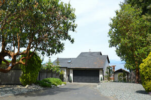 Waterfront home in Beachcomber - by Appointment Only