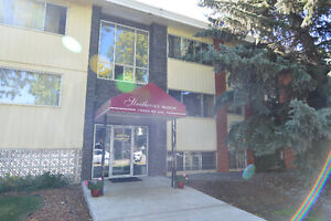10045 83 ave - Deluxe 2 BDR - Whyte Ave - HUGE INCENTIVES