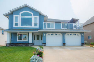 2520 4A Avenue, SE Salmon Arm - lakeview home in OK Estates!