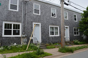 Historic 3 bed worker's townhouse in Agricola-Commons zone