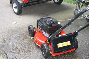 TORO COMMERCIAL MOWER with KAWASAKI ENGINE Cambridge Kitchener Area image 3