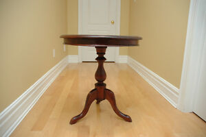 Solid Wood Vintage Antique Round Table