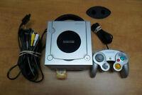 Console Gamecube avec une manette GARANTIE 30 jours.