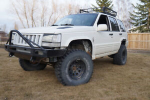 1998 CHEROKEE....$4200... have mechanical inspection!!