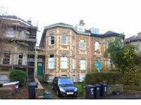 3 bedroom flat in Meridian Road, Redland, Bristol, BS6 6EG