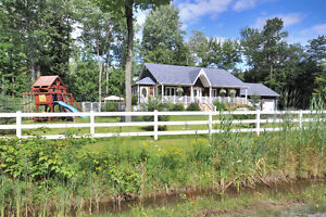 Beautiful Rawdon home for sale/rent