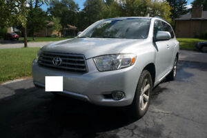 2008 Toyota Highlander SUV - Excellent Condition and Low Mileage