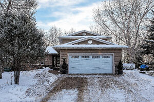 113 SICAMORE PLACE - ON A GREENBELT! Open House Feb. 11 12-3PM