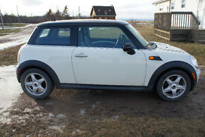 2007 Mini Copper Automatic New Safety until December 2017