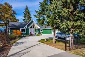 2713 Blind Bay Road, Blind Bay - Truly Magnificent Home