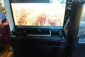60 in TV Cabinet with Glass Top Kitchener / Waterloo Kitchener Area image 2