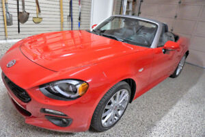2017 FIAT  SPIDER CONVERTIBLE - reduced price