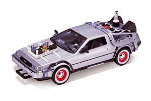MINI CAR COLLECTIBLES- Welly Back To The Future III Time Machine