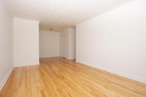 *ONE MONTH FREE* 2 bedroom - Immediate & Future Occupancy