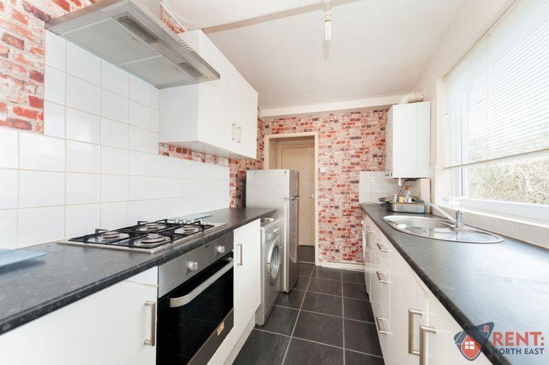 3 bedroom flat in Woodbine Terrace, Gateshead, NE1
