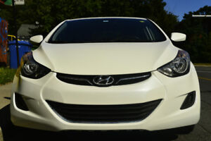 Hyundai Elantra 2013 tres propre et non fumeur