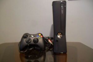 XBOX 360 Console 250G en excellente condition, Garantie 30 jrs!