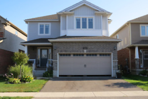 4 Bedroom 3.5 bathroom double garage House in Cambridge