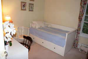 South End Furnished Room July 1st-All Inclusive $625!