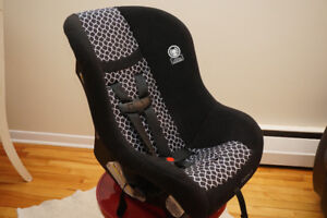 Convertible Car Seat - Cosco Scenera Next carseat - Great Cond