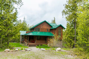 48 Timms Road, SE Salmon Arm - COMPLETE PRIVACY and tranquility